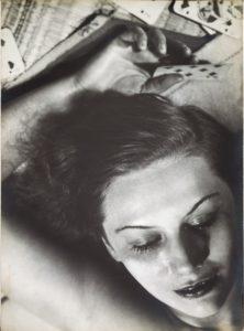 FlorenceHenri_1930_FemmeAuxCartes